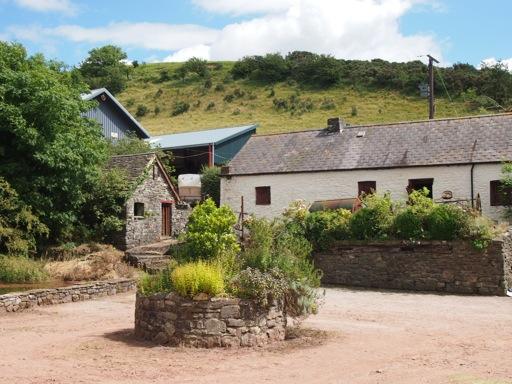Carreg Cennen Castle Farm