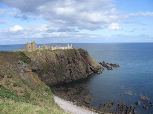 Dunnottar Castle cliffs