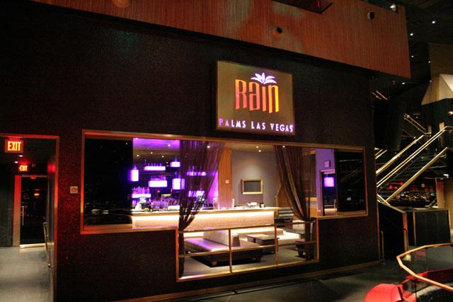 Rain Nightclub Review  Exploring Las Vegas