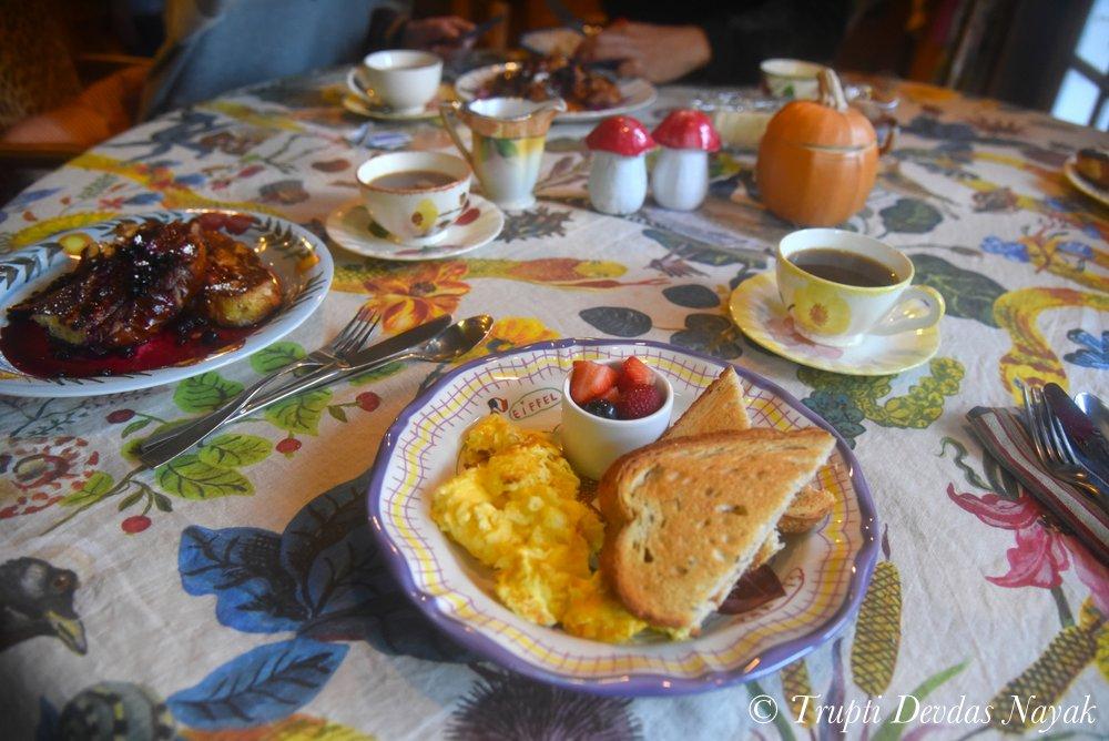 Breakfast Treehouse Airbnb Petaluma
