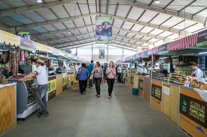 Feira da Agricultura Familiar reúne produtos de 1.340 famílias, vindas de 131 municípios