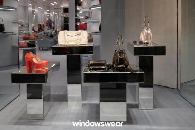 vitrine prata Miu Miu Milão 2019