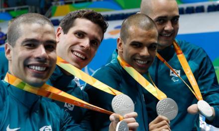 Em incrível recuperação, Brasil conquista a prata no revezamento 4 x 100m masculino