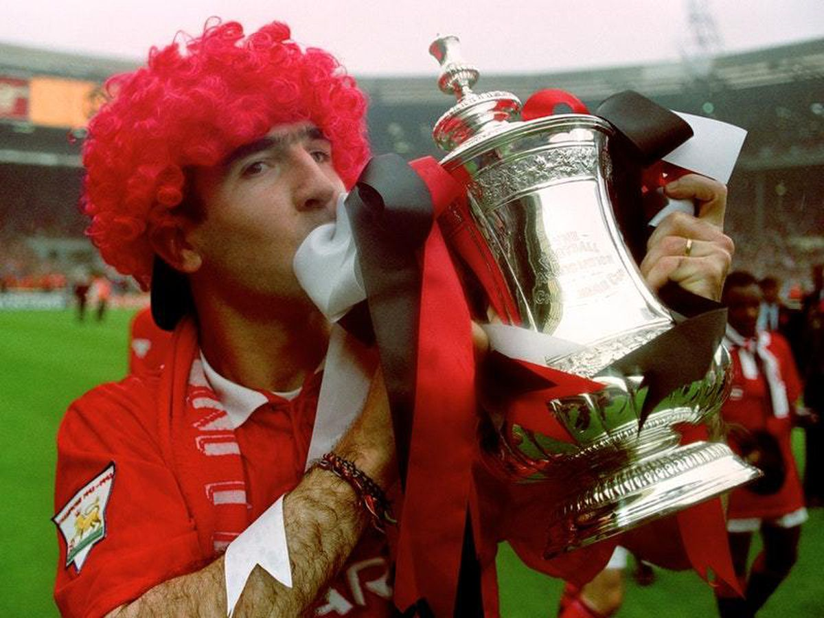 In 2020 he teamed up with ea sports to appear as an ultimate team. PFA Players' Player of the Year 1994 - Eric Cantona ...