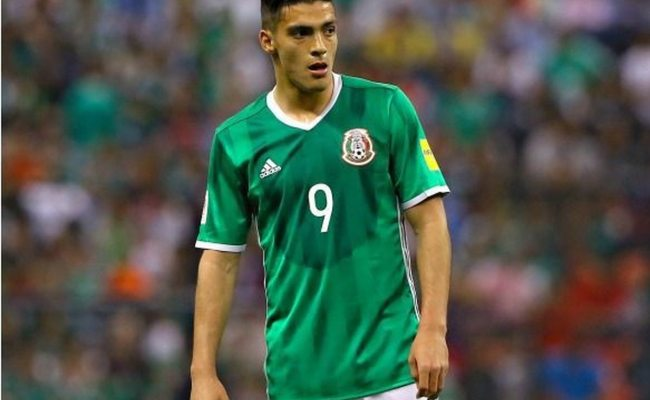 Wolves Sign Raul Jimenez On Loan From Benfica Express Star