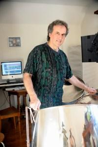 PANCH Preis 2013 Träger Martin Grah, im Heimstudio