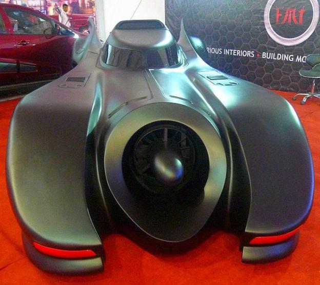 Executive Modcar Trendz' Batmobile Replica
