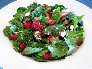 strawberry spinach spring salad