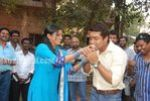 Actress Priyamani Birthday celebration on the sets of RaktaCharitra (9)