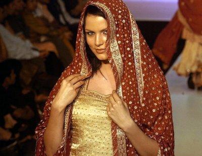 Super Model Gauhar Khan