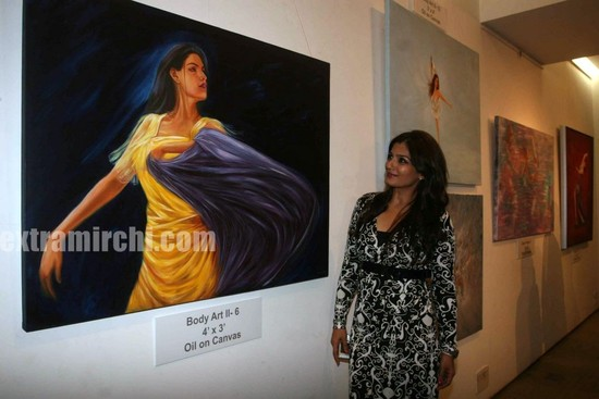 Raveena-Tandon-at-the-Nawaz-Singhanias-art-exhibition.jpg