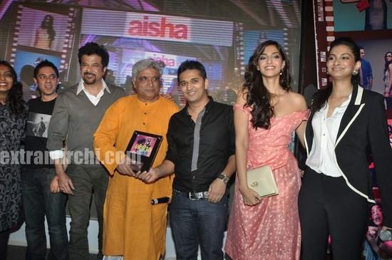 Anil-Kapoor-with-daughters-Sonam-Kapoor-and-Rhea-Kapoo.jpg