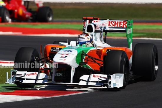 Deepika-Padukone-cheers-for-the-Force-India-F1-Team-at-the-British-GP-7.jpg
