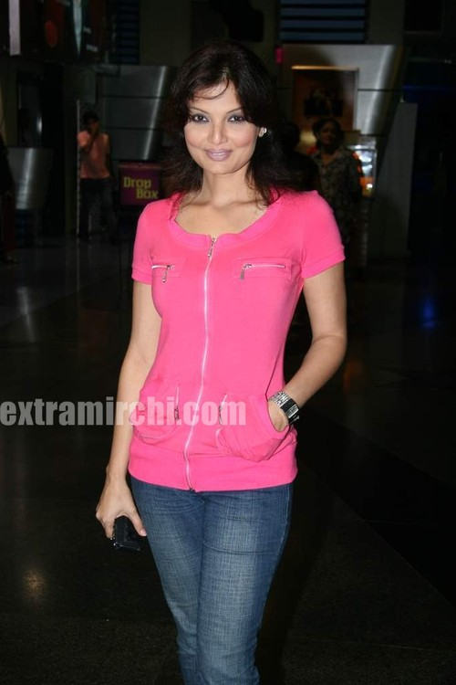 Deepshikha-at-Premiere-of-of-Knight-and-Day.jpg
