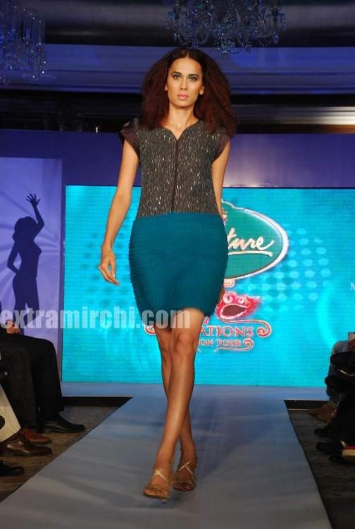 Models-walked-the-ramp-in-Rina-Dhaka-and-Dev-R-Nils-creations-2.jpg