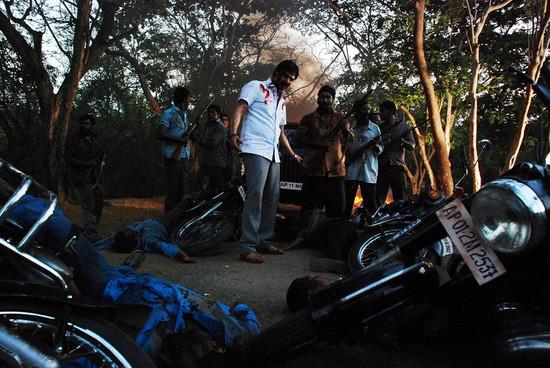 Rakta-Charitra-Photos-surya-priyamani-2.jpg