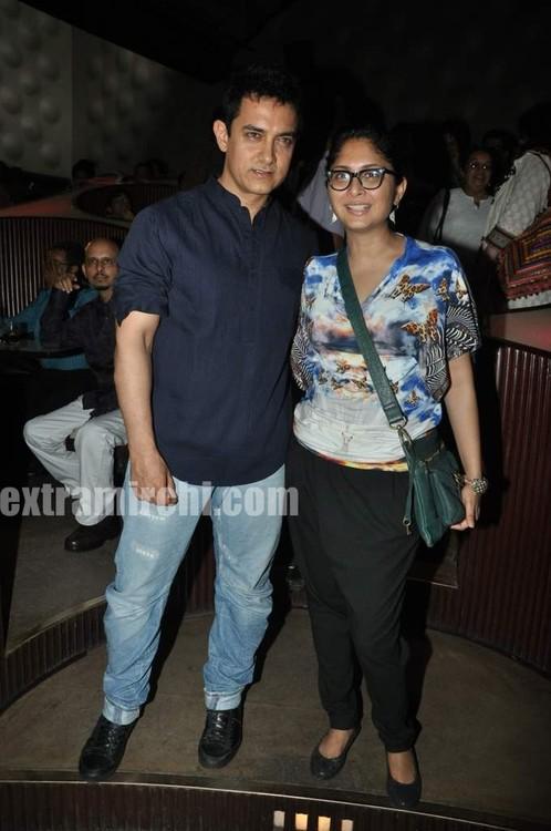 Rani-Mukerji-Aamir-Khan-Kiran-Rao-and-Karan-Johar-at-Peepli-Live-music-launch-6.jpg