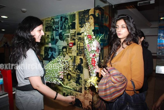 Rhea-Kapoor-promote-Aisha-at-Radio-City-2.jpg