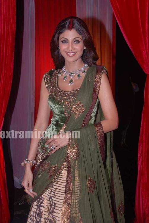 Shilpa-shetty-at-grand-finale-of-Zara-Nachke-Dikha-2.jpg