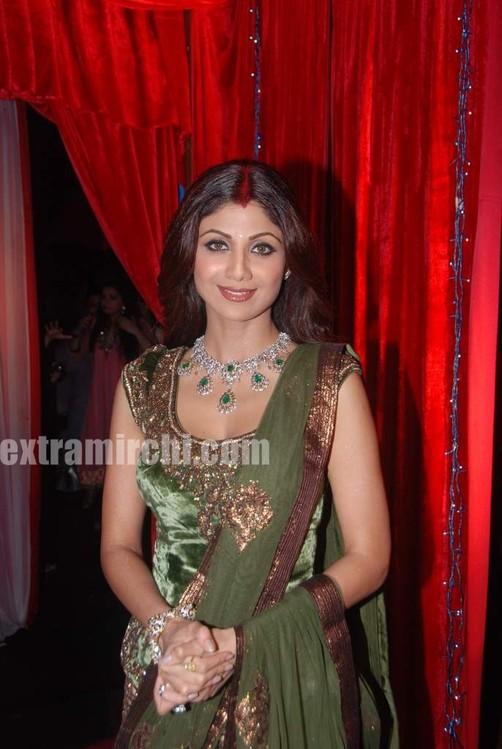 Shilpa-shetty-at-grand-finale-of-Zara-Nachke-Dikha-4.jpg