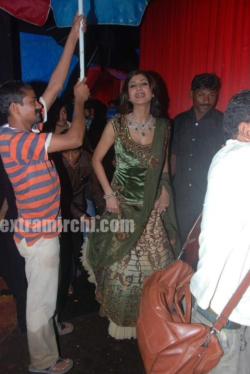Shilpa-shetty-at-grand-finale-of-Zara-Nachke-Dikha.jpg