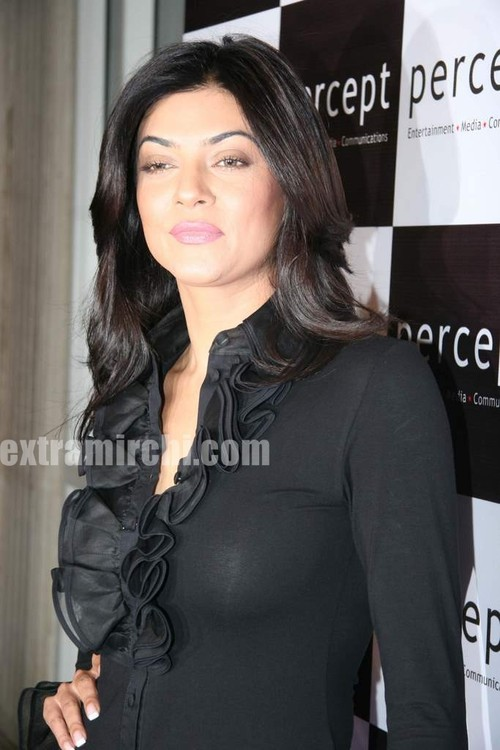 Sushmita-Sen-at-Percept-anniversary-bash-2.jpg