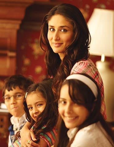 Kareena-Kapoor-in-We-Are-Family.jpg