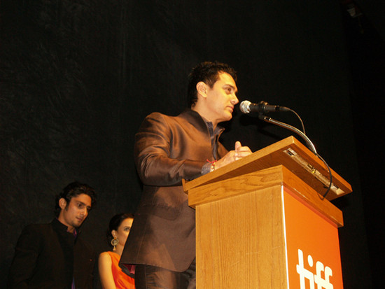Aamir-Khan-speaking-to-the-TIFF-audience.jpg