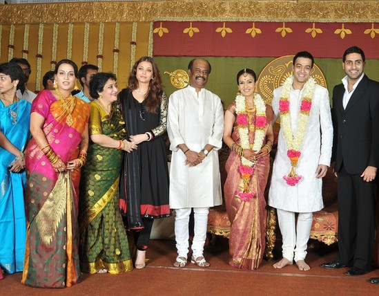 Aishwarya-Rai-Bachchan-with-Abhishek-Bachchan-at-Soundarya-Rajinikanth-marriage.jpg.jpg