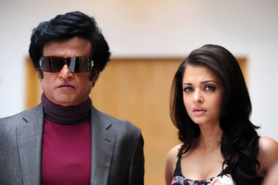 Stylish-Aishwarya-Rai-with-Super-star-Rajini-in-Endhiran-11.jpg