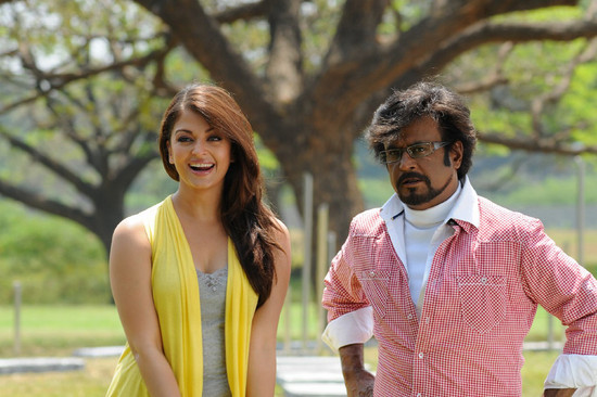 Stylish-Aishwarya-Rai-with-Super-star-Rajini-in-Endhiran-2.jpg