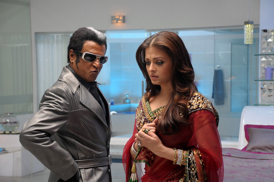 Stylish-Aishwarya-Rai-with-Super-star-Rajini-in-Endhiran-4.jpg
