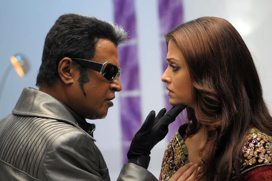 Stylish-Aishwarya-Rai-with-Super-star-Rajini-in-Endhiran-5.jpg