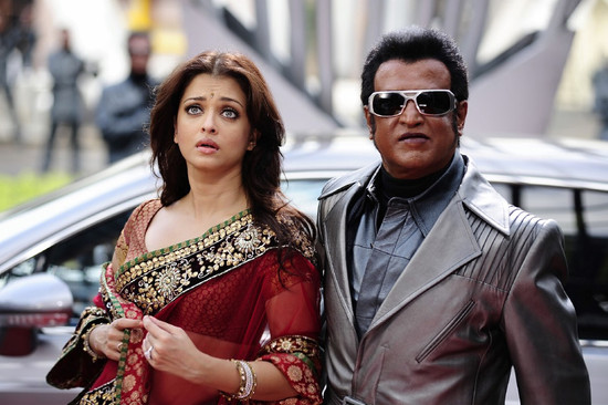 Stylish-Aishwarya-Rai-with-Super-star-Rajini-in-Endhiran-6.jpg