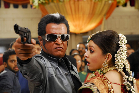 Stylish-Aishwarya-Rai-with-Super-star-Rajini-in-Endhiran-7.jpg