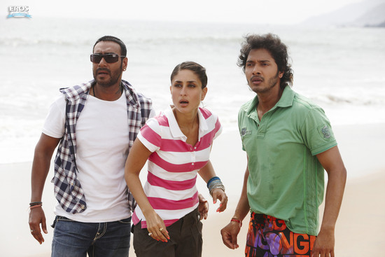 Golmaal-3-Ajay-Devgn-Kareena-Kapoor-Arshad-Warsi-Tusshar-Kapoor-and-Shreyas-Talpade-8.jpg