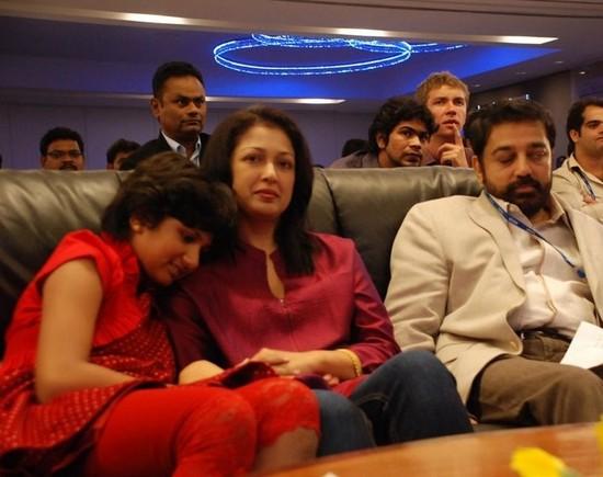 gautami-with-daughter-subbulakshmi-and-Kamal-Hassan-2.jpg