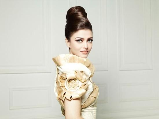 Aishwarya-Rai-Elle-2010-Photoshoot-1.jpg