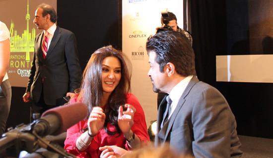 Preity-Zinta-and-Anil-Kapoor-with-the-Toronto-press.jpg