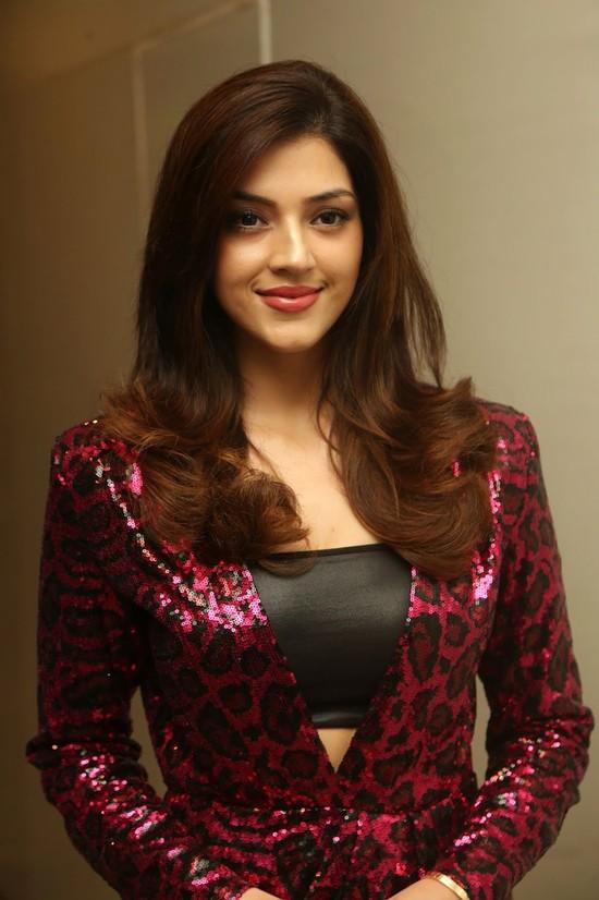 Actress-Mehreen-Pirzada-Photos-8.jpg