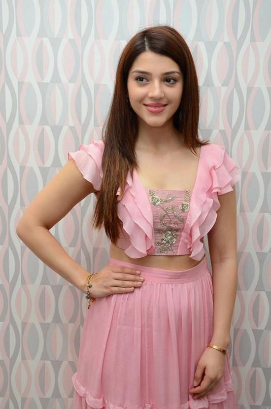 Actress-Mehreen-Pirzada-Photos-9.jpg