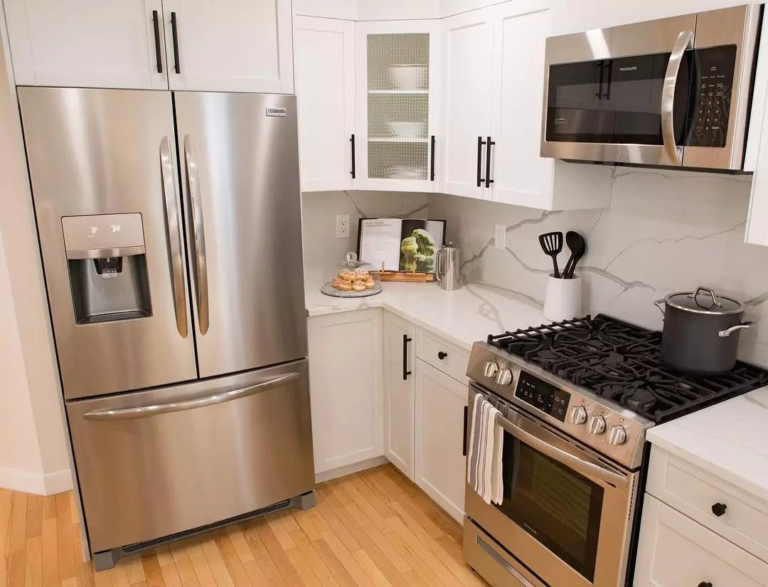 Kitchen appliances in small kitchen. Photo by Instagram user @propertybrothers