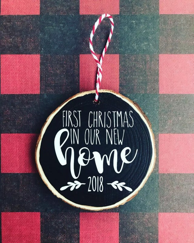 Holiday ornament celebrating new home. Photo by Instagram user @thehumbledhousewife