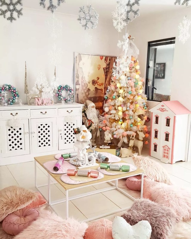 Holiday kids room. Photo by Instagram user @stelladerozario