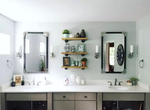 Bathroom Sinks with Shelves in Between. Photo by Instagram user @delirious.by.design