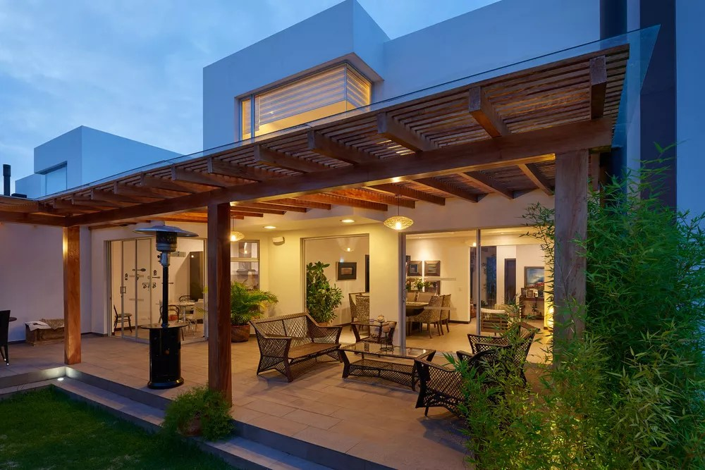 Patio covered by pergola