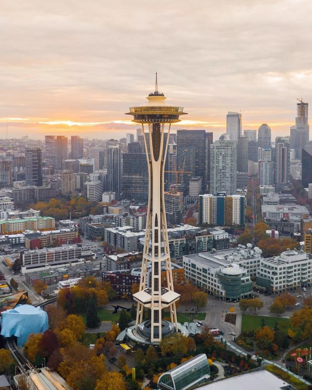 view of the space needle in seattle with skyline in the background photo by Instagram user @codycm