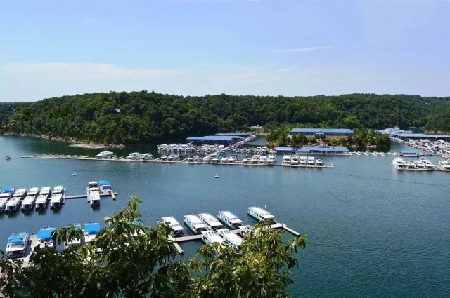 Dozens of Boats Docked off Lake Cumberland. Photo by Instagram user @the_appalachian_life