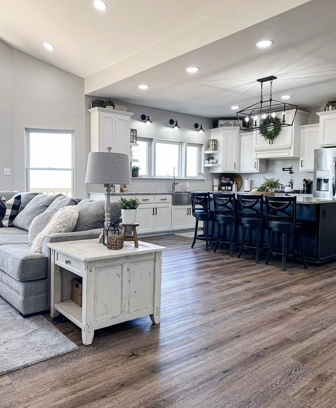 Home with open floor plan. Photo by Instagram user @bear_creek_farmhouse