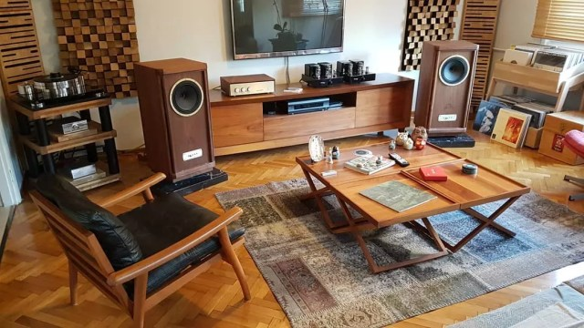 home stereo equipment in living room disguised to look like wooden furniture photo by Instagram user @v_for_vintage_1974